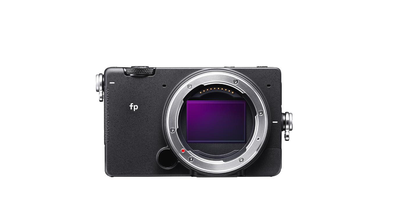 小型フルサイズミラーレスカメラ「SIGMA fp」の発売が10月25日に決定